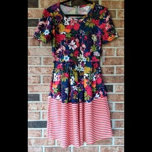 NWT LuLaRoe Stripe Floral Amelia Dress w Pockets M